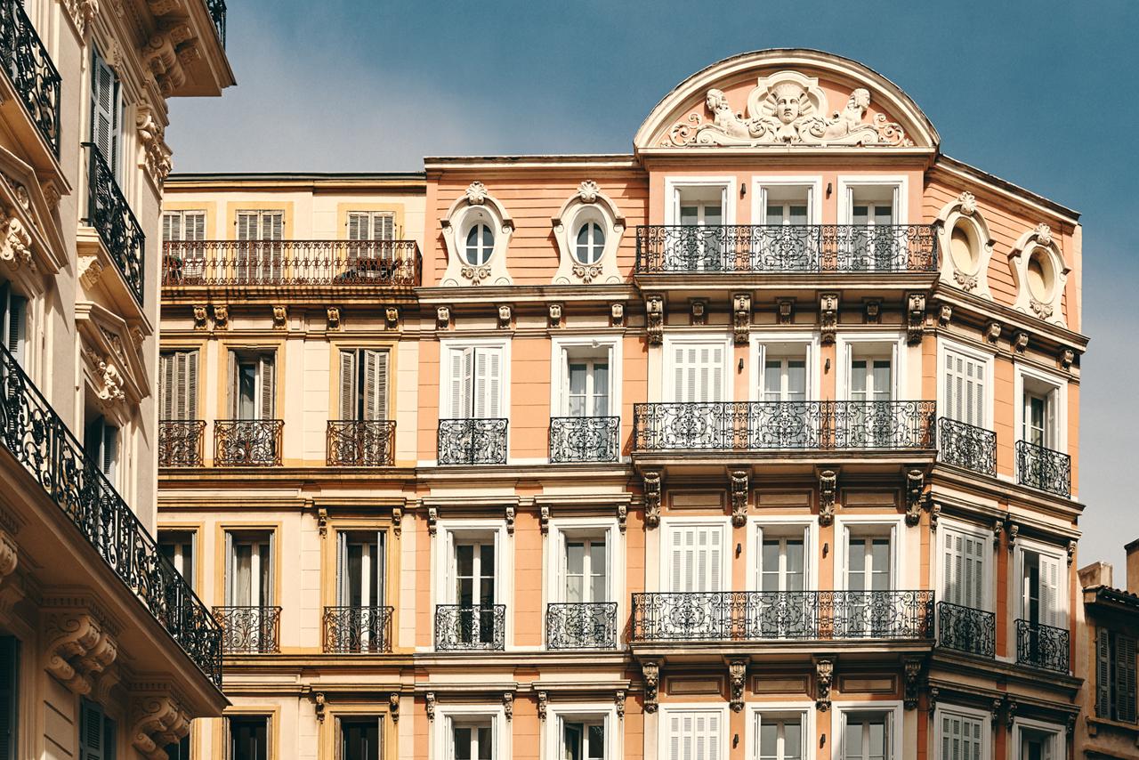 La Façade de l'hôtel Saint Louis entièrement rénovée